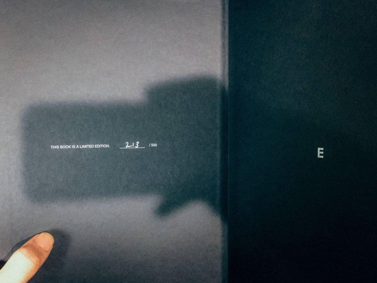 差出人名がベルリンの謎の不在通知は「THE EYEEM PHOTOGRAPHY AWARDS BOOK 2016」だった!けど、貰う理由がないw受賞してない!