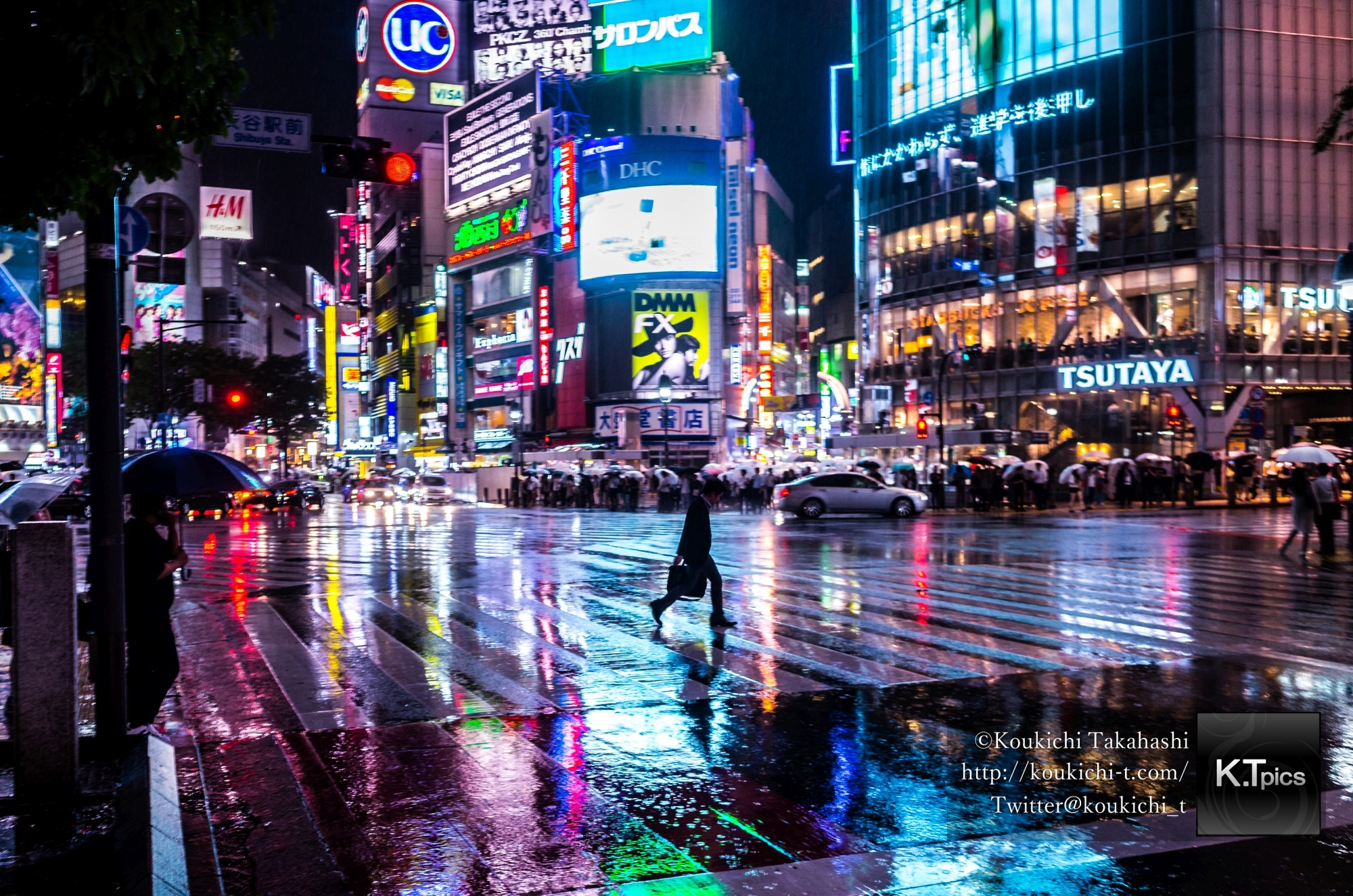 超難関?審査制写真サイト ONE EYELAND審査通過、雨の渋谷スクランブル交差点の写真が掲載されました!My Rainy Shibuyacrossing pic was published on ONE EYELAND