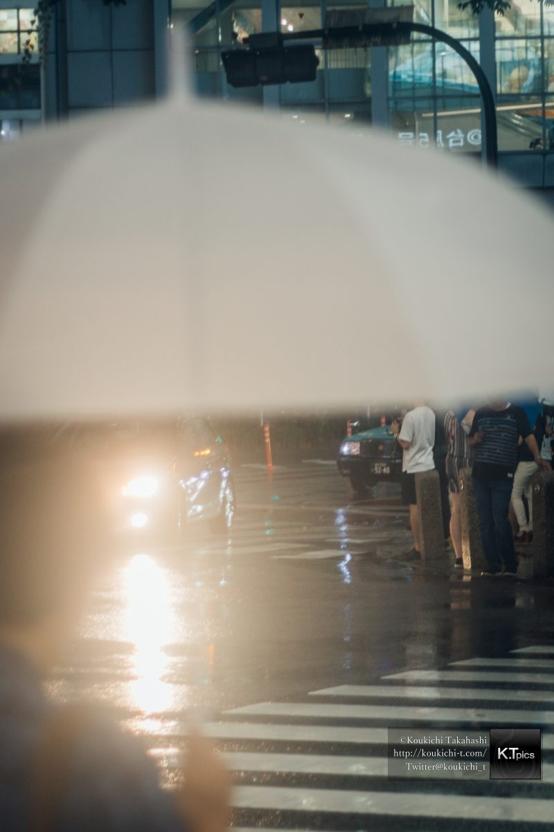 もしソール・ライターが渋谷を写真撮影したら。「ソール・ライターに魅せられて。」Inspired by Saul Leiter - Shooted by Koukichi Takahashi at Shibuya_MG_1238