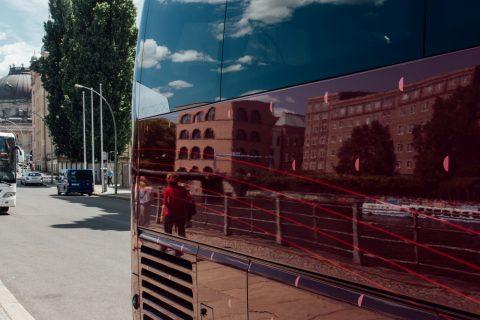 赤、リフレクション、4分の1。|もしソールライターがベルリンを撮影したら|ソール・ライターに魅せられて。