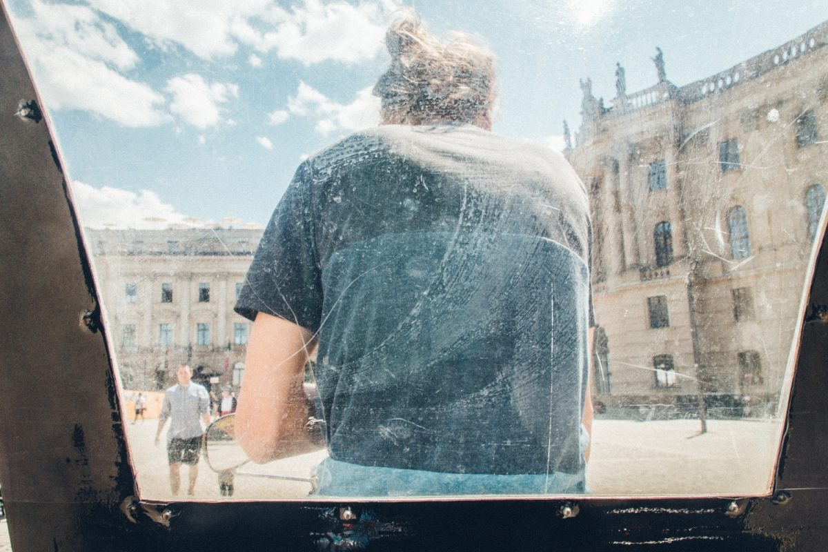 窓越し、視界制限。|もしソールライターがベルリンを撮影したら|ソール・ライターに魅せられて。
