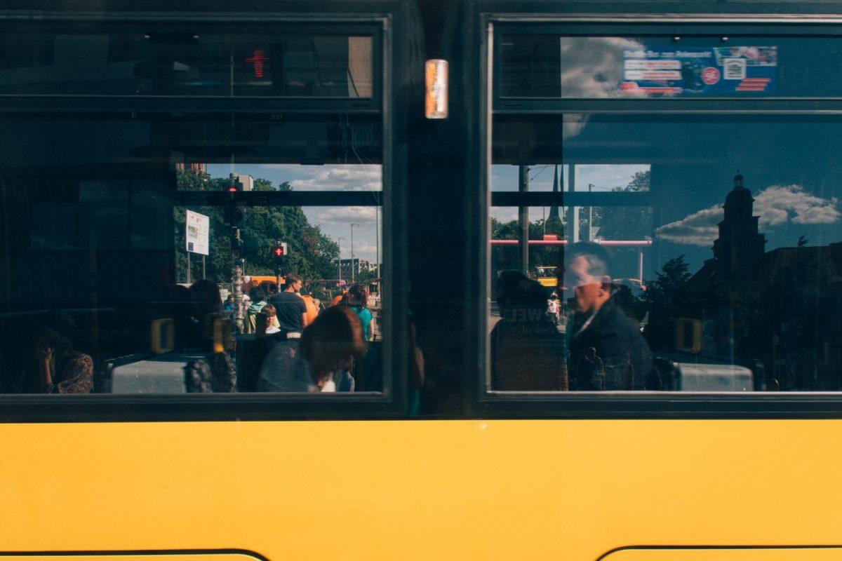 窓越し、覗き見、リフレクション。|もしソールライターがベルリンを撮影したら|ソール・ライターに魅せられて。