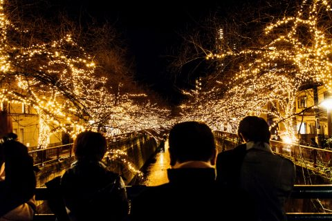 写真で振り返り!神々しい金の目黒川「クリスマスイルミネーション 中目黒 2016」Nakameguro 青の洞窟中止の末、2016年にゴールドで復活