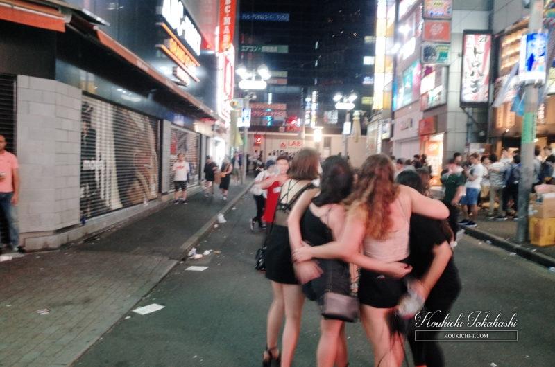 RICOH GR 作例 ポジフィルム調 エフェクト フォトグラファー 渋谷センター街女性たち