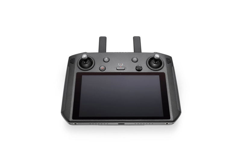 DJIスマート送信機予約開始!5.5インチ内蔵ディスプレイ搭載コントローラーでより迅速/便利な空撮が可能に!DJIドローン/Mavic 2関連新製品ニュース速報