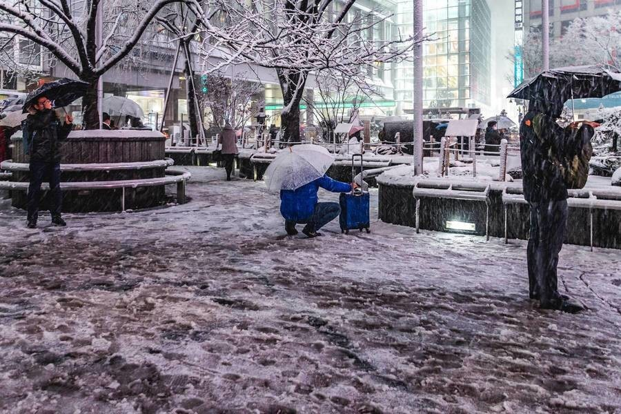 Throwback to Snowy night in Shibuya 2018 and My photography theme :  Color Redefining